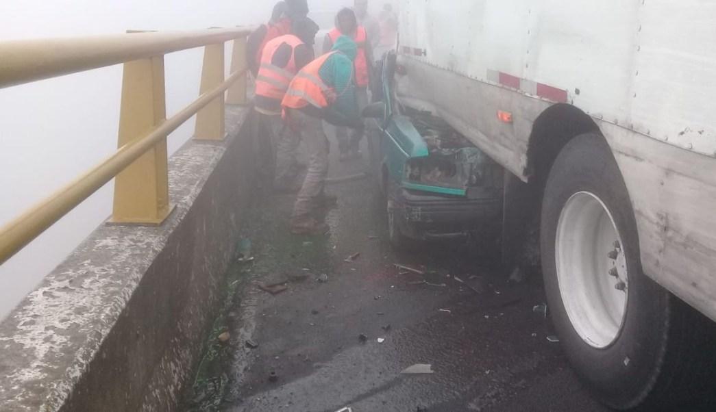 Choque múltiple en autopista Puebla-Orizaba deja un muerto