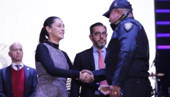 Claudia Sheinbaum anuncia incremento salarial para policías