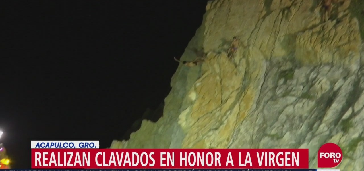 Clavados en honor a La Virgen en Acapulco, Guerrero