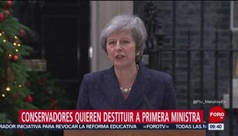 Conservadores quieren destituir a Theresa May, primera ministra británica