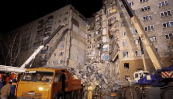 Putin supervisa rescate tras derrumbe de edificio