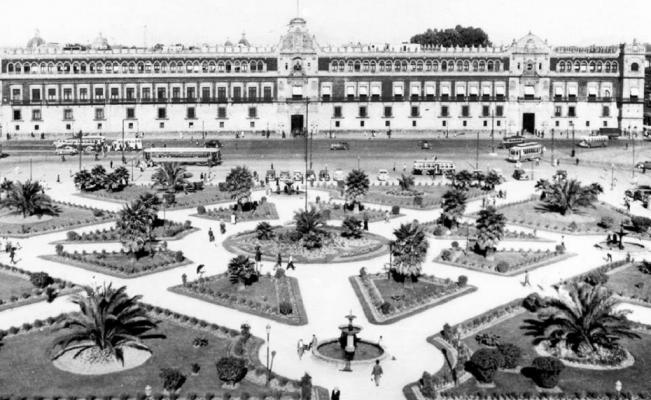 El Zócalo, un gran jardín durante los años cuarenta. La nueva decoración busca emular esta estructura (El Universal Archivo)
