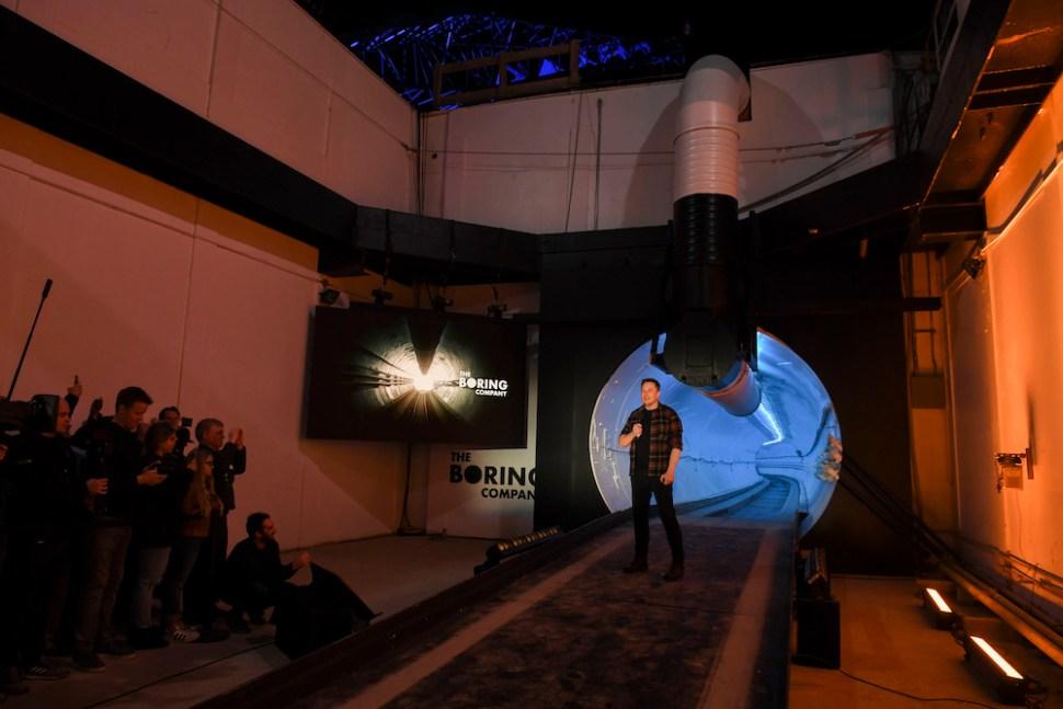 Así es el túnel de alta velocidad de Elon Musk
