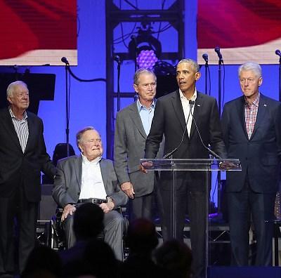 Expresidentes de Estados Unidos destacan el servicio público de Bush padre