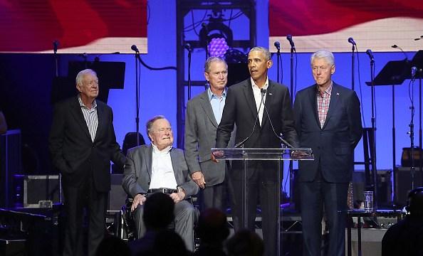 Expresidentes de EU destacan el servicio de Bush padre