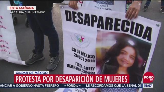 Familias de desaparecidas protestan en la Procuraduría de la CDMX
