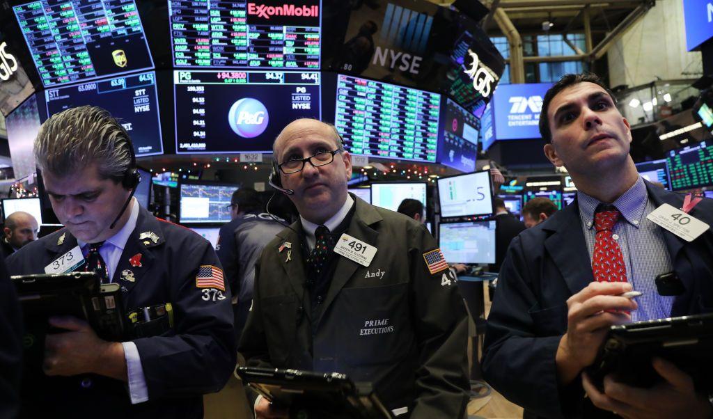 Wall Street cierra en verde y el Dow Jones gana 0.64%
