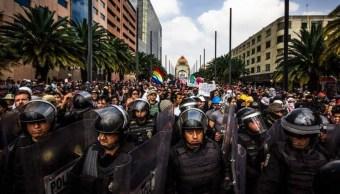 Desaparición del cuerpo de granaderos en la CDMX divide opiniones