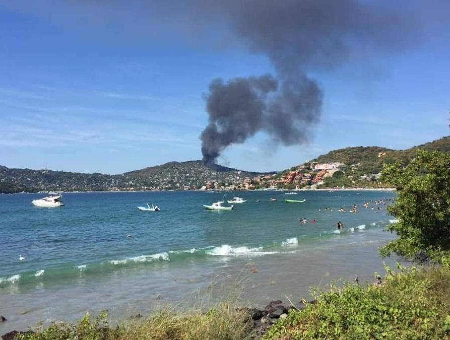 Incendio en Zihuatanejo, Guerrero, afecta 100 casas