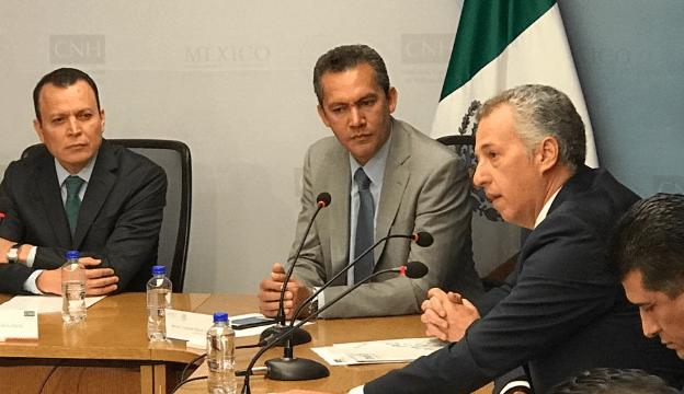 Funcionario del INAI rechaza que ganen más de 300 mil pesos