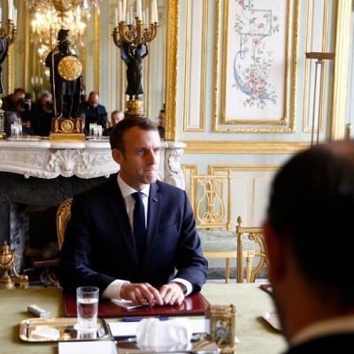 Francia suspende aumento a combustibles tras protestas