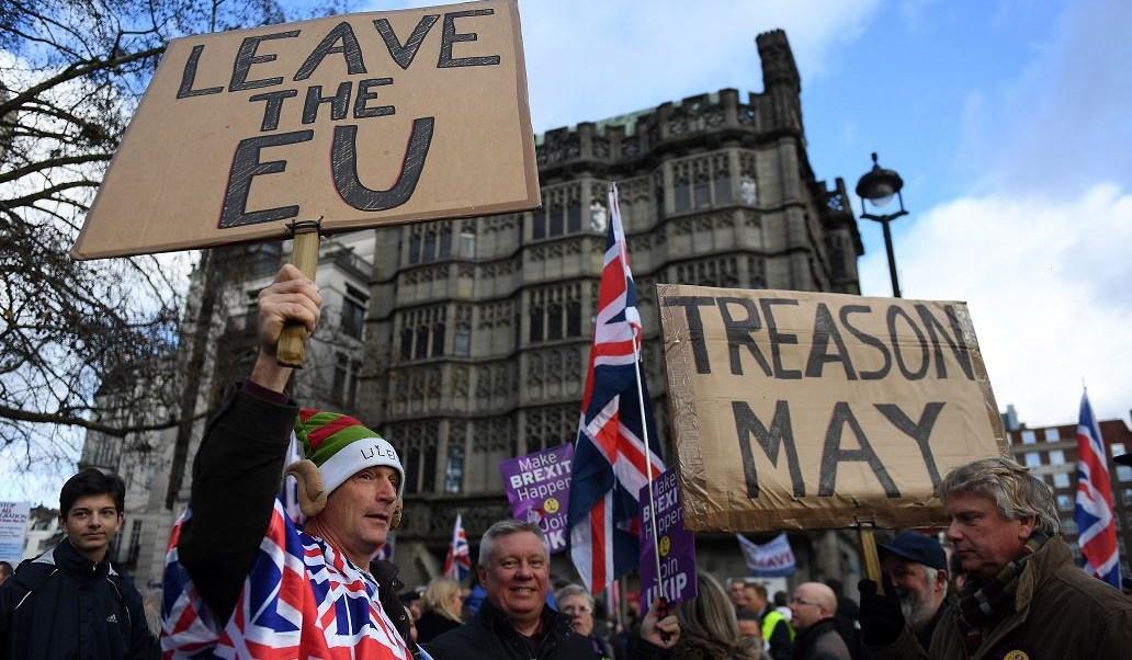 Grupo antieuropeo y laboristas marchan en Londres