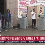Migrantes del albergue 'El Barretal', en Tijuana, sufren por las bajas temperaturas