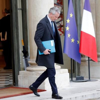 Francia prevé caída de economía por protestas de los 'chalecos amarillos'