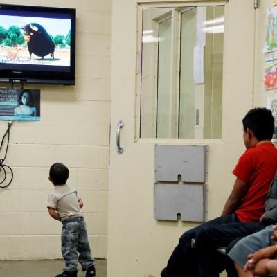 Patrulla Fronteriza ordena exámenes médicos 'exhaustivos' a migrantes