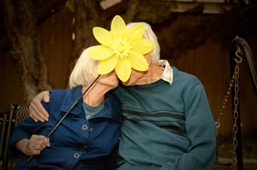 Sexo garantiza salud y bienestar a adultos mayores