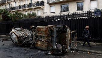 Evalúan daños en París tras la peor protesta en una década