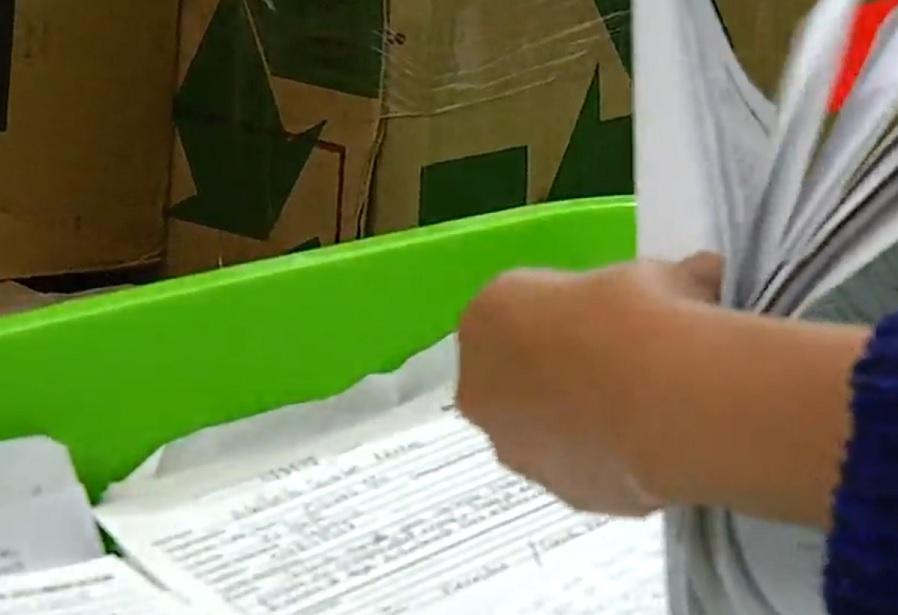Peticiones, propuestas y hasta un corrido para AMLO llegan a la oficina de Atención Ciudadana