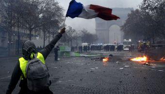 Permanecen detenidas 378 personas en París tras disturbios
