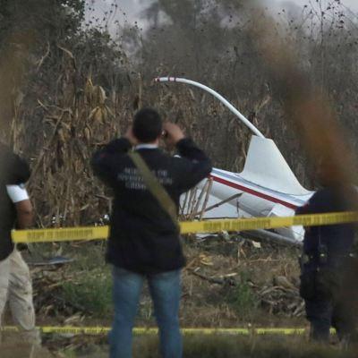 Realizan últimos peritajes en zona de accidente aéreo en Puebla