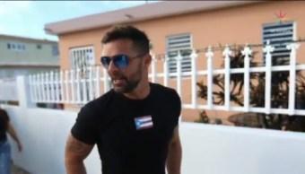 Ricky Martin entrega casas a afectados por huracanes Irma y María