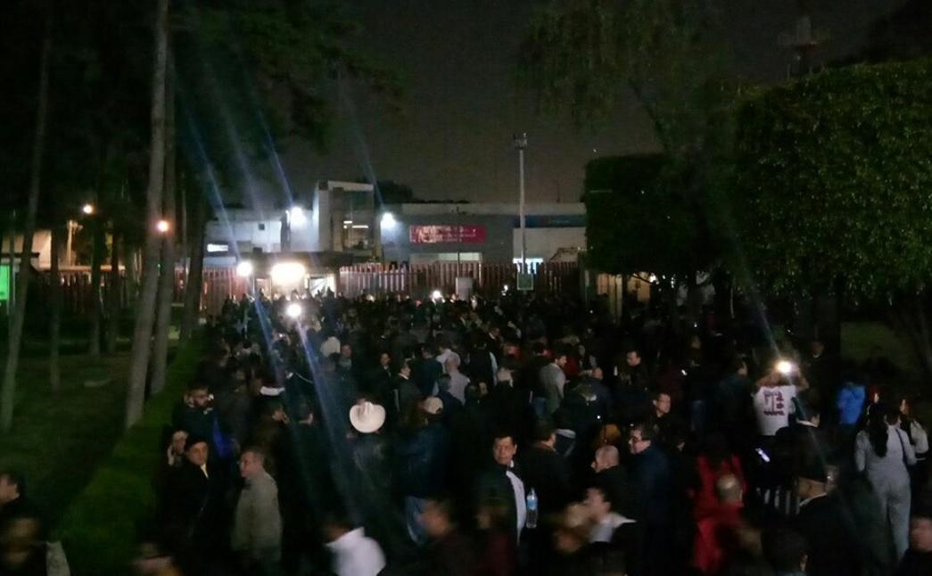 Liberan un acceso de San Lázaro, comienzan a salir los trabajadores