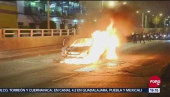 Se Incendia Automóvil En Boulevard Puerto Aéreo