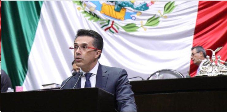 Sergio Mayer impulsa iniciativa para nombramiento de Taibo