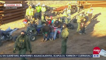 Migrantes Detenidos Intentar Cruzar Valla Fronteriza Tijuana