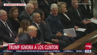 Trump ignora a los Clinton en funeral de Bush