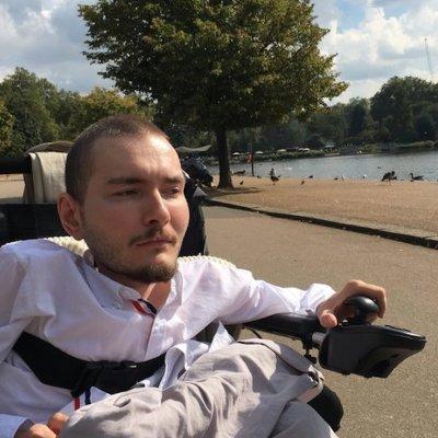 Canceló su trasplante de cabeza porque encontró el amor