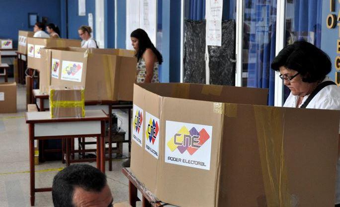 Abren en Venezuela centros de votación para comicios locales