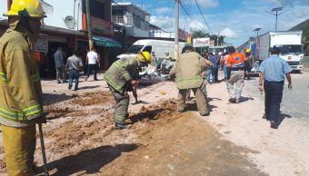 Accidente Guerrero; vuelca camión en la Autopista del Sol