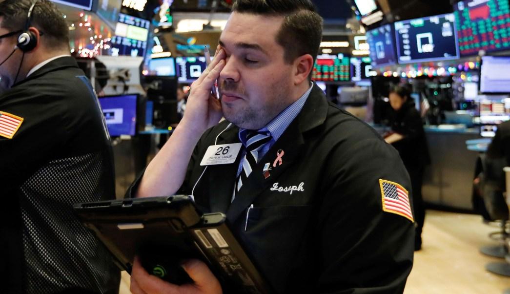 Wall Street revierte pérdida de media sesión cierra en verde