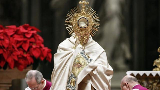 Papa Francisco pide en Año Nuevo una mirada materna ante un mundo desunido y en soledad