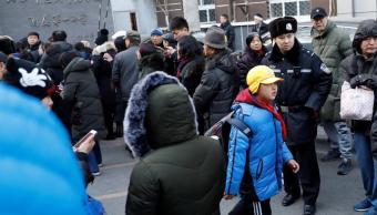 Hombre hiere a 20 niños en una escuela de Beijing