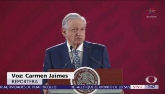 AMLO anuncia tianguis de venta de autos del Gobierno por austeridad