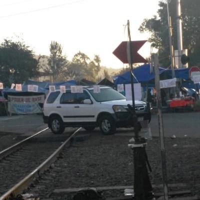 Bloqueos en vías de Michoacán afectan abasto de gasolina en Jalisco