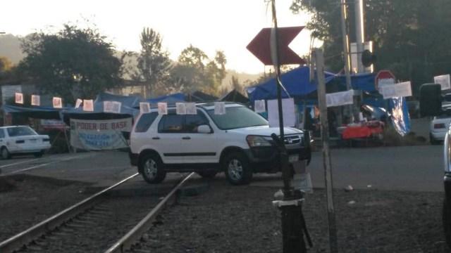 Foto: Bloqueo en la carretera Pátzcuaro-Santa Clara del Cobre, a la altura de la comunidad de Opopeo, Michoacán, enero 21 de 2019 (Notimex)