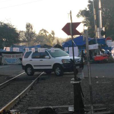Bloqueo CNTE en vías de tren en Michoacán cumple 10 días
