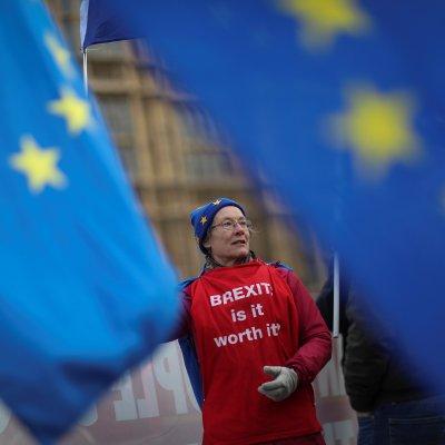 May advierte que el Parlamento puede bloquear el Brexit