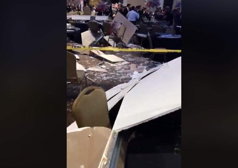 Foto: Cae el techo durante el festejo de graduación para estudiantes de Medicina de la Universidad Autónoma de Nuevo León, 27 enero 2019 (Facebook. Diario Standard)