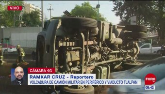 Camión militar vuelca en Periférico y Viaducto Tlalpan, CDMX