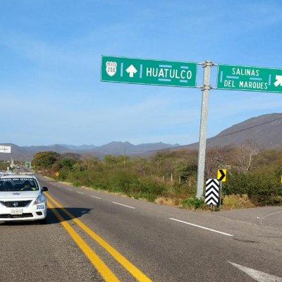 Captan en video rapiña de cemento en carretera de Oaxaca
