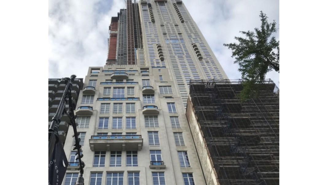Foto: Torre de departamentos en Central Park, Nueva York, donde el multimillonario Ken Griffin compró una vivienda 23 de enero 2019 (The Wall Street Journal)