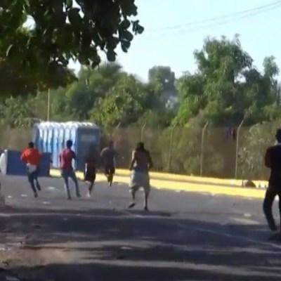 Migrantes centroamericanos expulsados de Guatemala se refugian en México