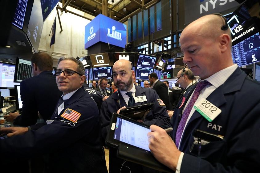 Wall Street baja por temor sobre crecimiento mundial