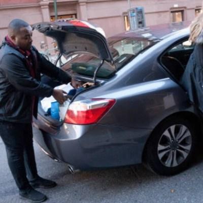 Deuda de consumidores de EEUU aumenta por préstamos estudiantiles y para automóviles: Fed
