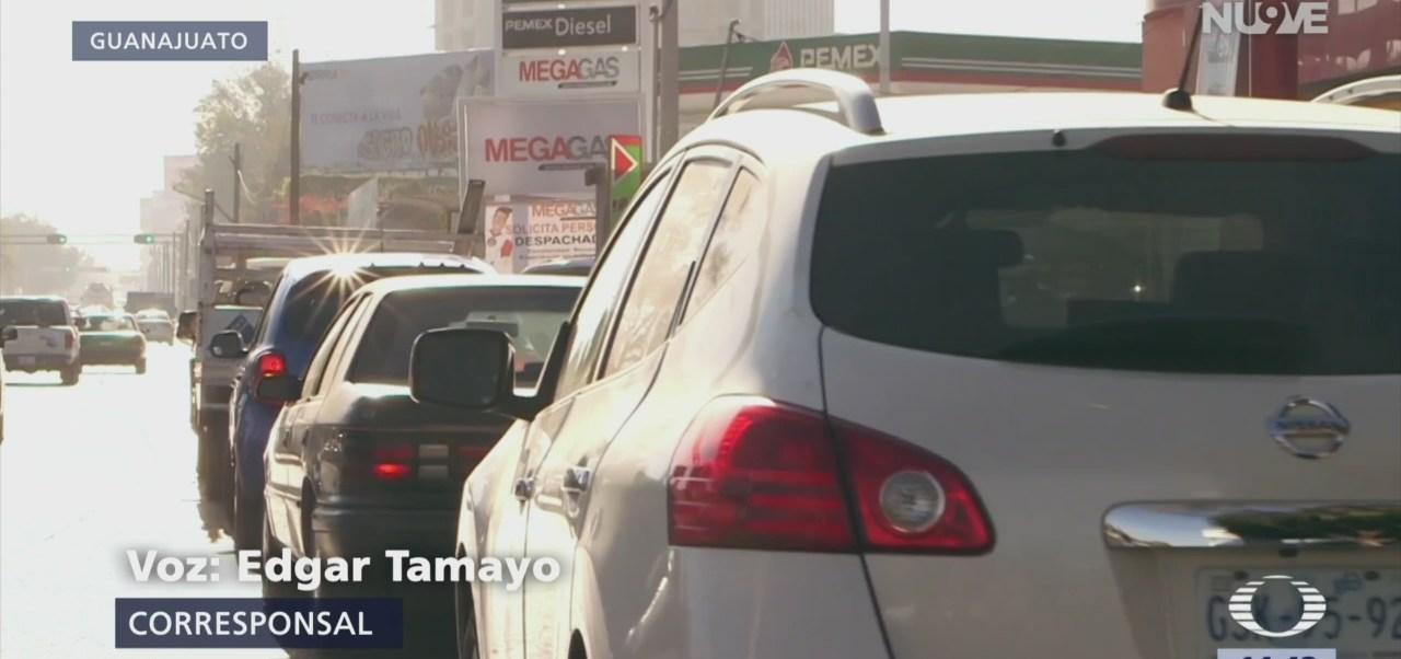 Continúan los problemas para cargar gasolina en 10 estados del país