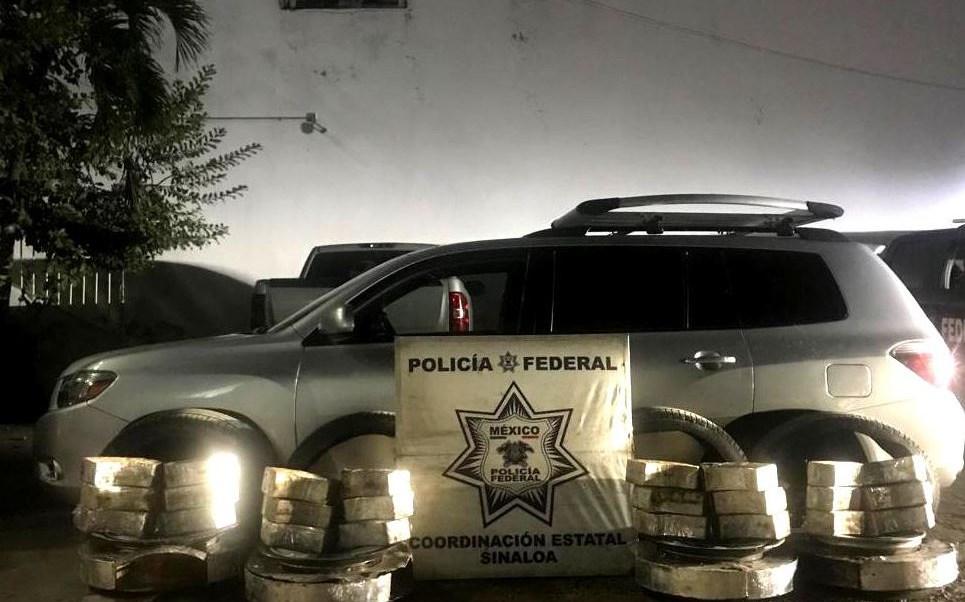 detienen dos personas que transportaban crystal en llantas auto en sinaloa